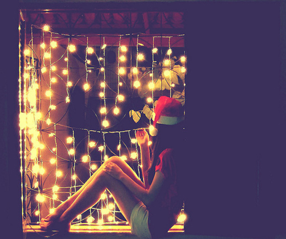 alone-christmas-christmas-lights-girl-hat-Favim.com-127312_large