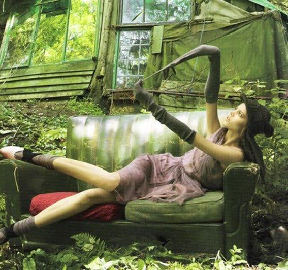 ilovegreeninsp_Editorial - Second Nature Vogue UK Nov06 by Corrine Day via truebluejen @ tFS 3