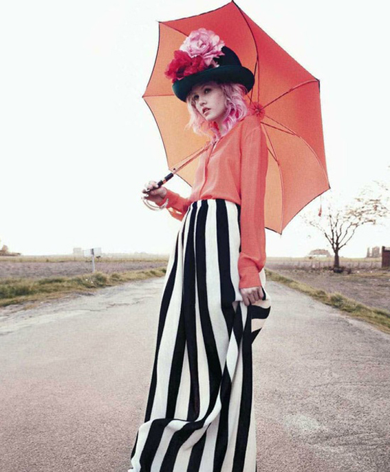 ilovegreeninsp_fashion_girl_with_umbrella