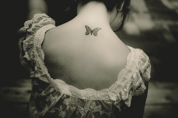 ilovegreeninspiration_art-beautiful-black-and-white-butterfly-girl-Favim.com-423195