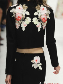ilovegreeninspiration_flowers_from_the_runaway_carven_2014 copy