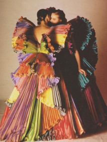 ilovegreeninspiration_Capucci_butterfly_rainbow_dress