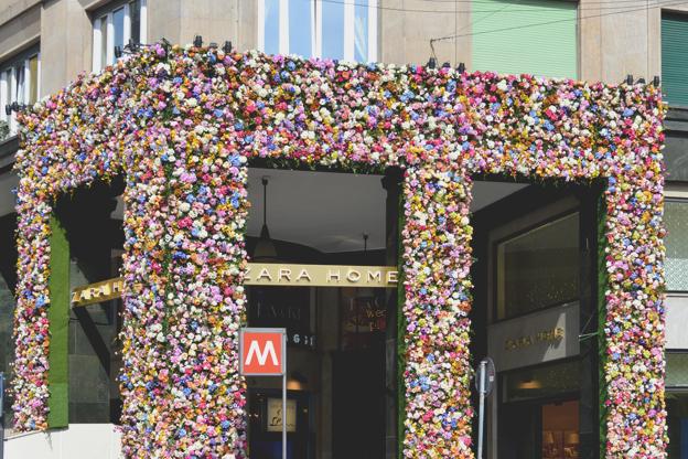 una parete di fiori per zara home i love green inspiration