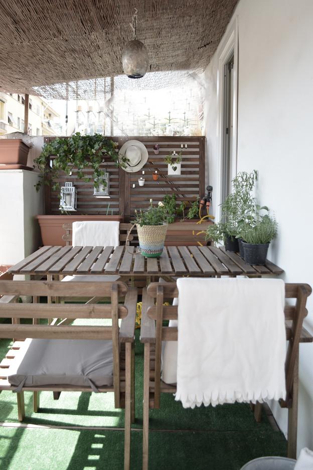 Arredare un mini terrazzo la stanza in pi senza pareti for Arredare terrazzo