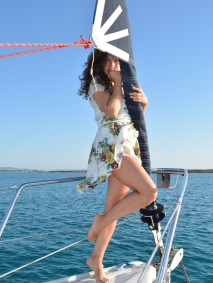 ilovegreeninspiration-fashion.blog-marinella-rauso-floral-dress-on-a-boat-120