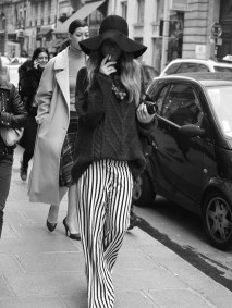 amazing outfit with wide legs pants