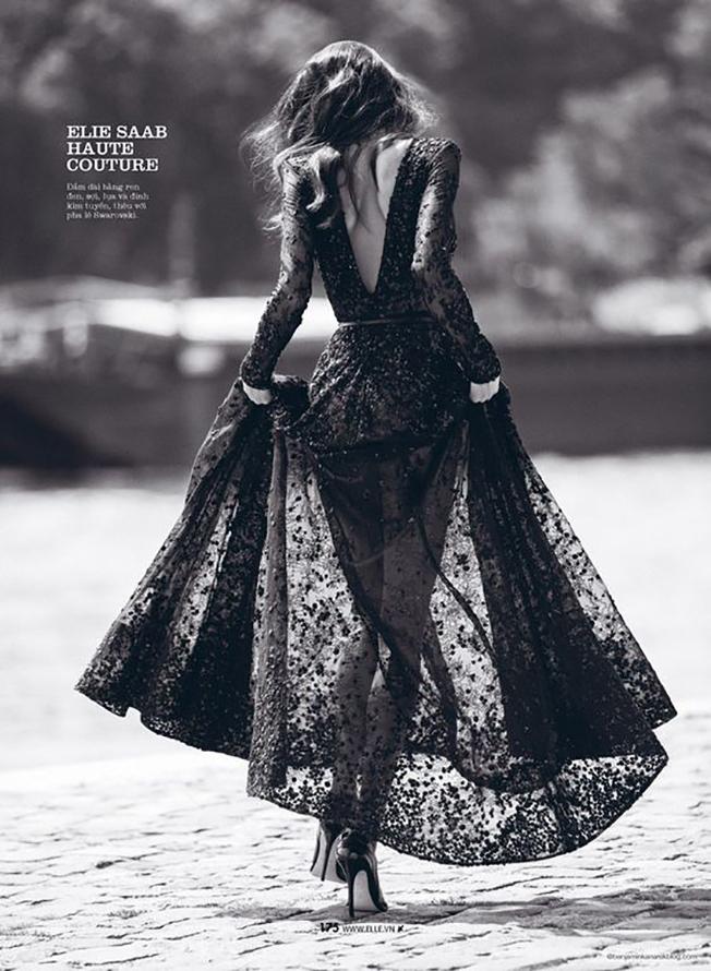 Фото девушек в черных платьях со спины