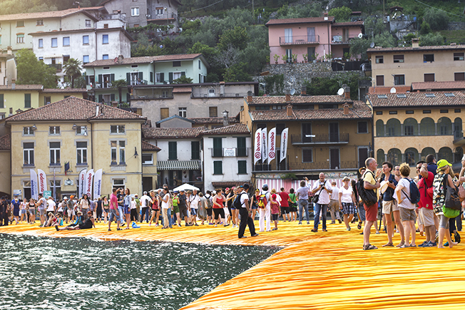 Floating Piers by christo