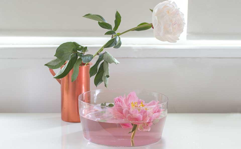 Arredare casa con vasi trasparenti. Le idee per vestire la tua casa di primavera e design
